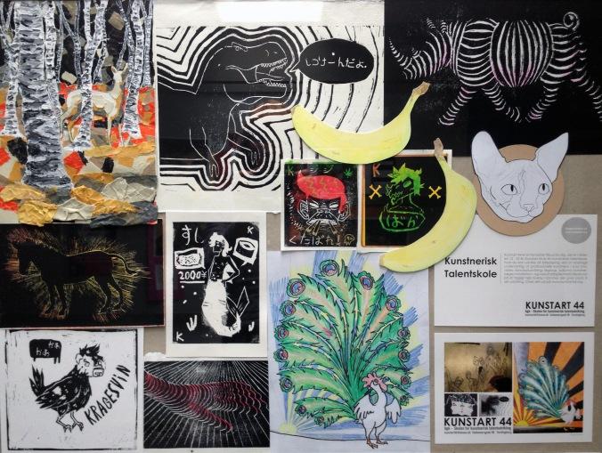 Udstillingen viser et udvalg af holdets arbejde med skitser, grafik og plakatkunst